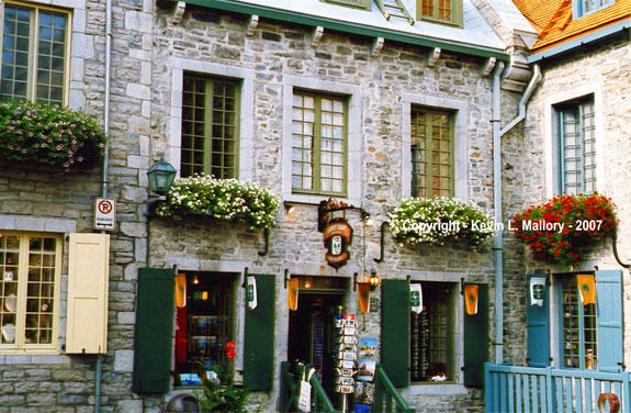 22 - Courtyard and Old Shops - Old Quebec City
