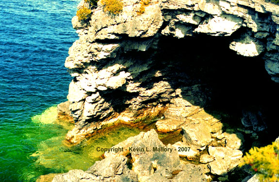 22 - The Cave Grotto on the Georgian Bay -  Bruce Peninsula National Park, Ontario